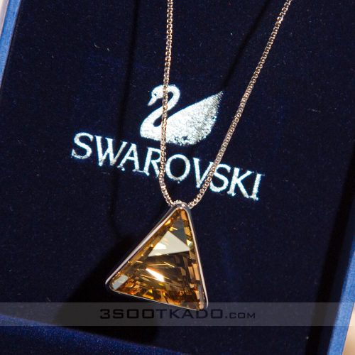 گردنبند سنگ سواروسکی طرح مثلث طلایی