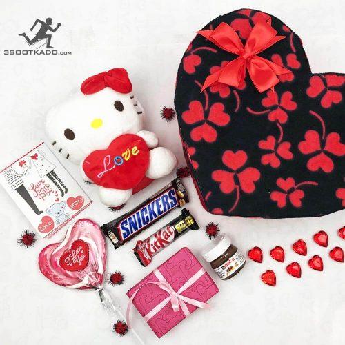 خرید پکیج ولنتاین جعبه قلبی با شکلات خارجی