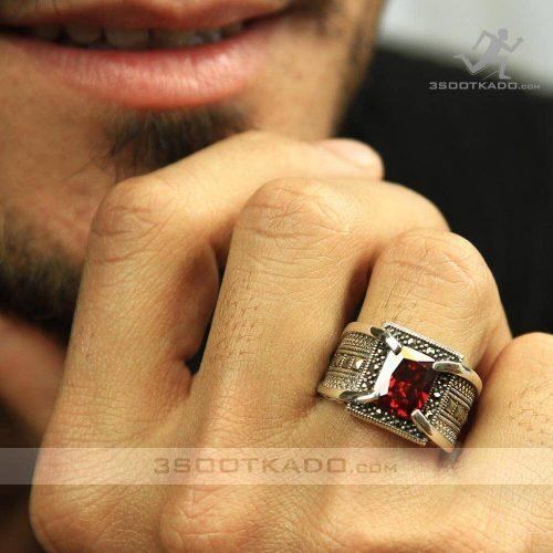 خرید اینترنتی انگشتر نقره مردانه با کریستال سواروسکی قرمز
