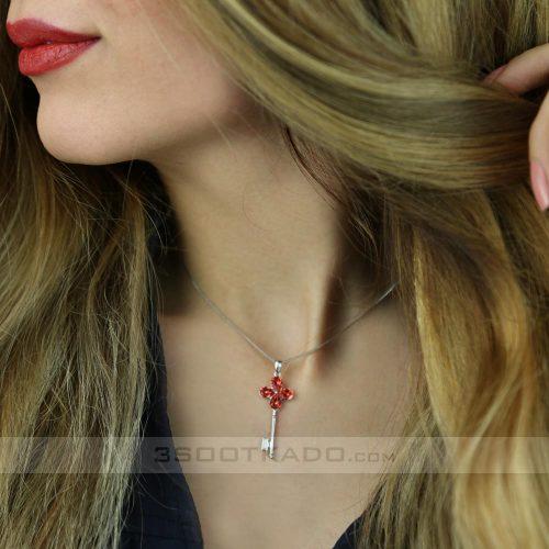 گردنبند با سنگ سواروسکی طرح Heart key